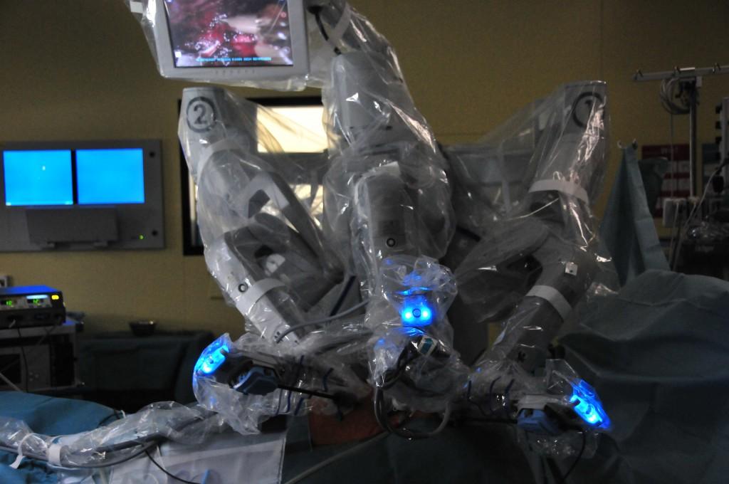 Fig. 4: Visuale sul paziente durante un intervento con il sistema da Vinci S (Ospedale Universitario Inselspital Berna, 2010).
